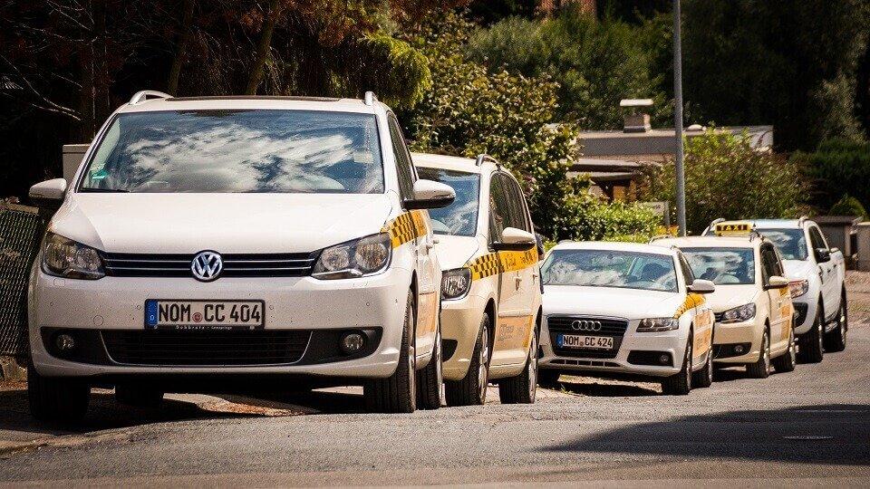 Die Fahrzeugflotte vom Taxiunternehmen City Car wird mit GPS Technik koordiniert